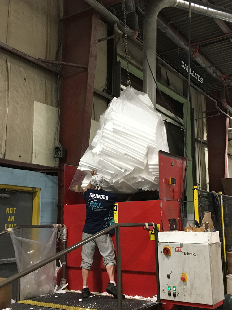 Grinder at ICA for Recycling EPS
